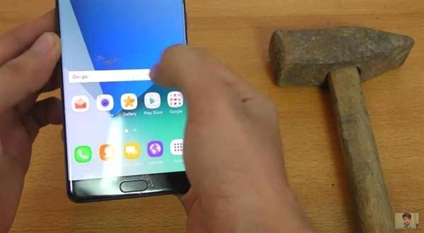三星Galaxy Note 7 刀子+锤子击打五代康宁玻璃的照片 - 3