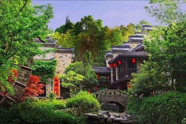 江浙沪这些山间湖边的小木屋,避暑胜地清凉一夏!