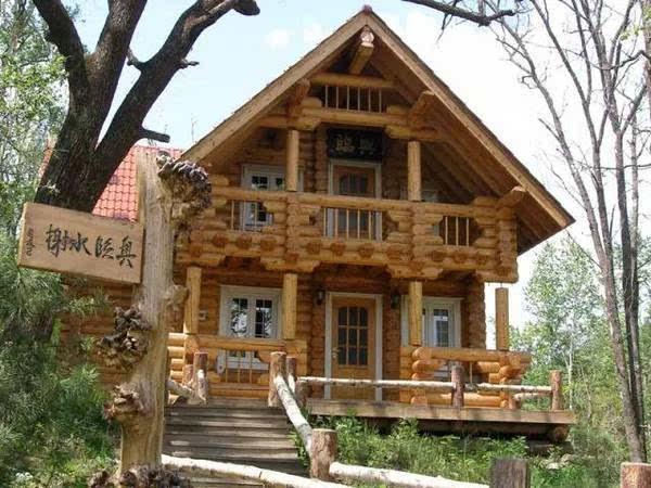 碧泉湖度假村都是欧式风格的木屋别墅,设计独特,古朴典雅,是原始与