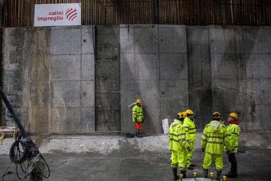 混凝土大楼日久变形?科学家找到答案的照片