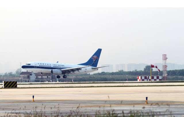 赶飞机最好提前2个半小时,因为天河机场启动了这项安检