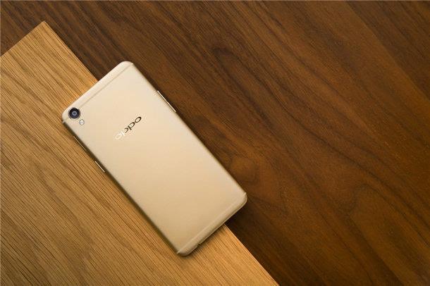 由于产能不足 OPPO宣布R9更换JDI屏幕的照片 - 1