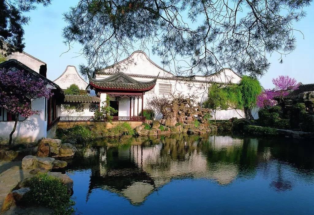 网师园,狮子林,拙政园,留园被称为苏州的四大园林,是来苏州游玩不可