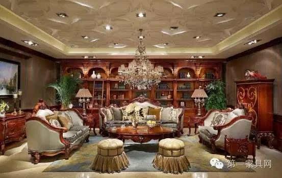 大风范导购向马总叙说每一款家具设计背后的故事,马总和太太全点头微笑,其实进门看到那套沙发时,就已被大风范俘获,国际舞美设计大师乔治.西平曾说过:剧场中没有比空间更有力量的形式。大风范欧式家具的大气让他们对入户后的城堡大宅充满期待。   家具当天便确定下来,具体的家具清单与别墅设计师再做细化。入住后,马先生一家都觉得十分值得,大气尊贵的大风范家具,衬托着家族愈发大家风范,可贵的是大风范的文化品位、历史内涵,无形中促进家人感受到了家族文化的塑造与培养,这最是令马先生心情激动的收获。