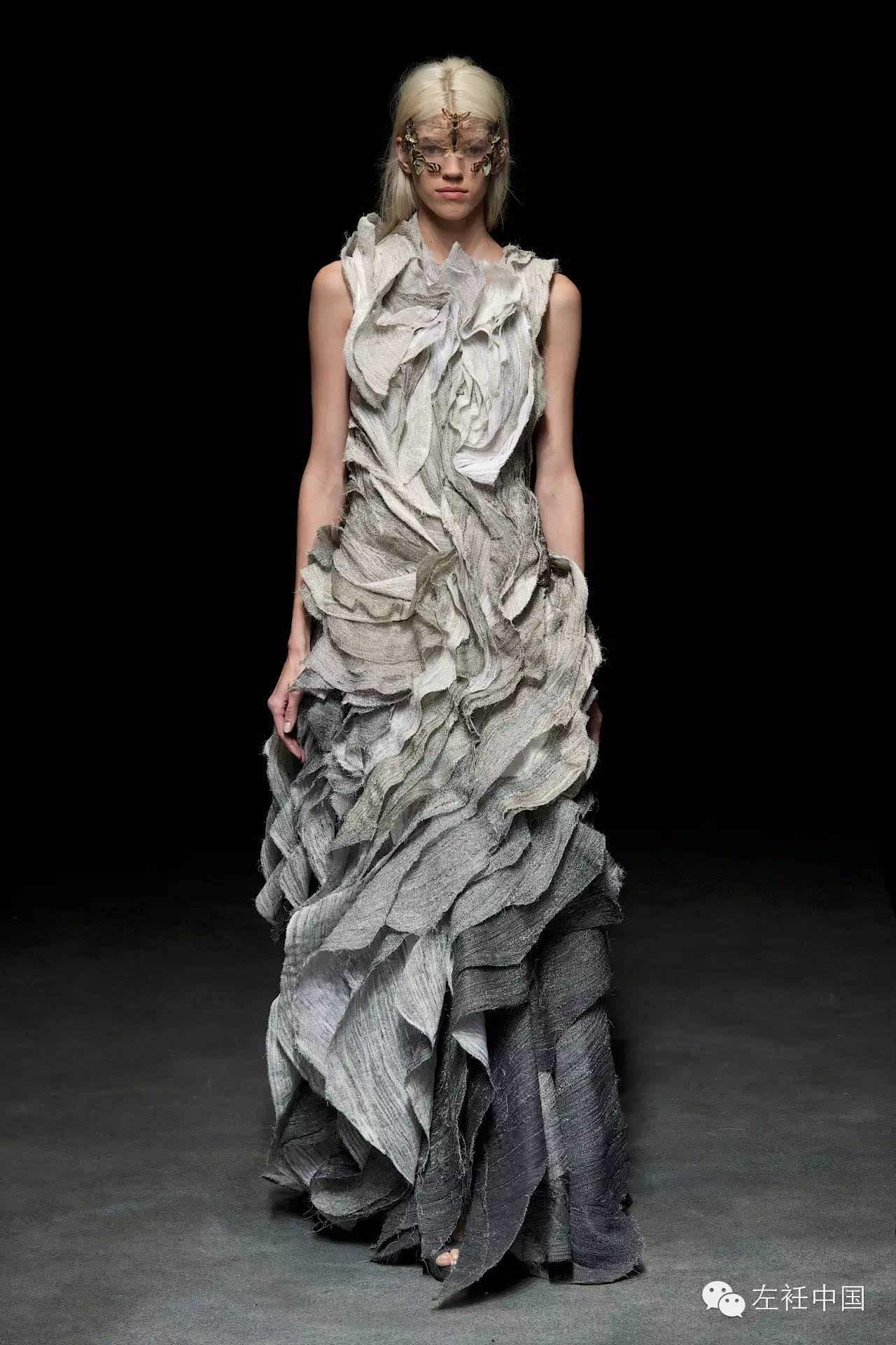 除了三宅一生,还有殷亦晴的褶皱也美到炸裂!令人叹服于织物的魅力