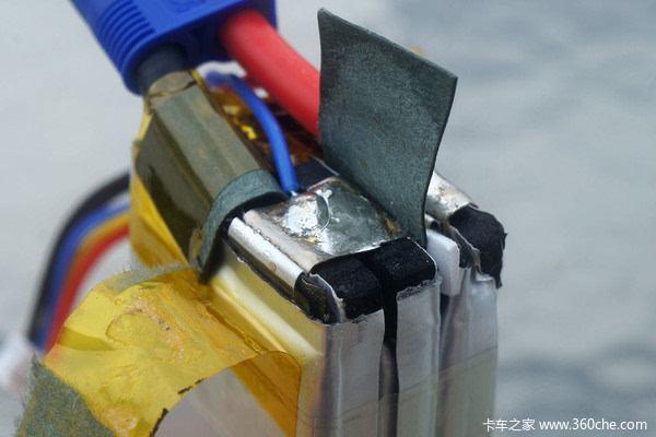 7v,12v等不同电压,再通过主电路板的升压稳压等步骤,最终得到多种不同
