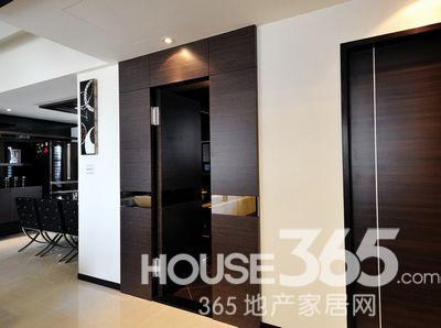 85平房子装修效果图:客厅电视背景墙 背投的哦