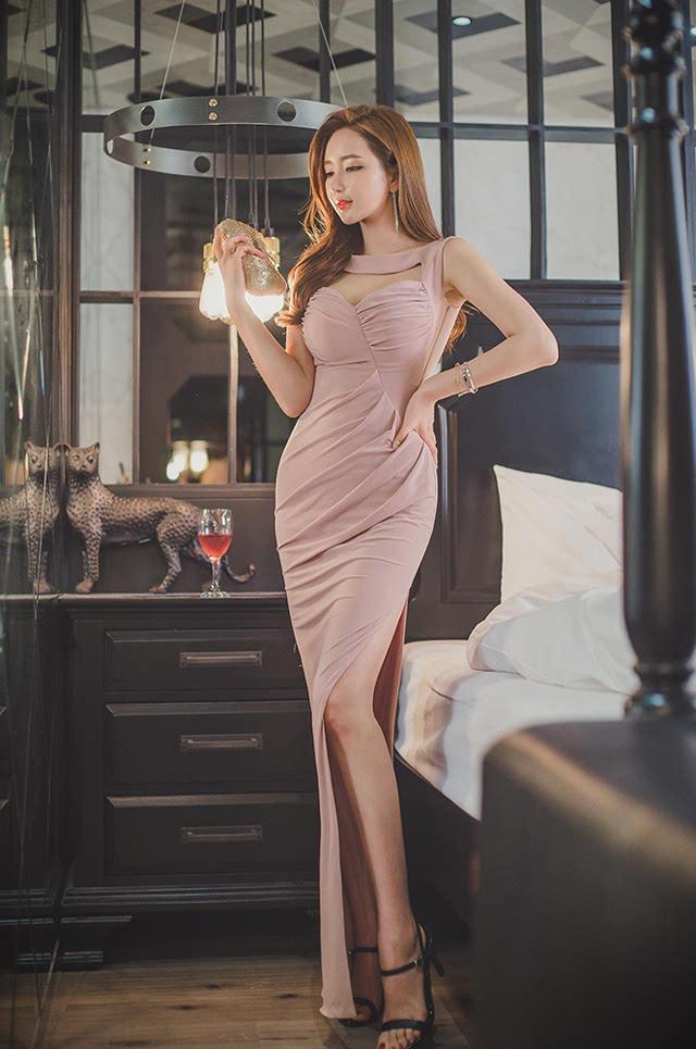 优雅美艳美女李妍静长裙魅惑气质逼人