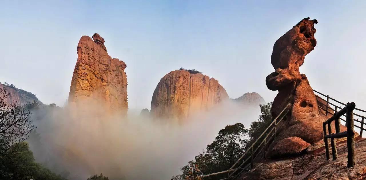 在龟峰,欣赏的是如画的风景,感受的是舒心的服务,享受的是贴心的