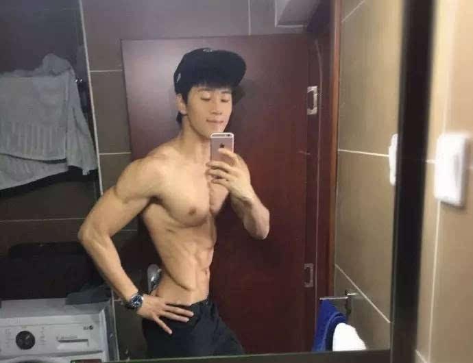 曾流出飞机视频的健身教练李佳淇居然变这样了