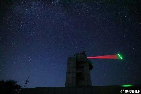 中国量子卫星对地通信照片公布:发射绿光的照片 - 1