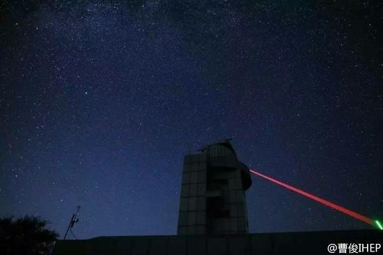 中国量子卫星对地通信照片公布:发射绿光的照片 - 4