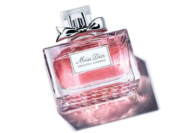 迪奥全新Miss Dior Absolutely Blooming香水