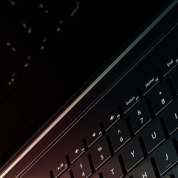 第二代Surface Book预热图率先公布的照片