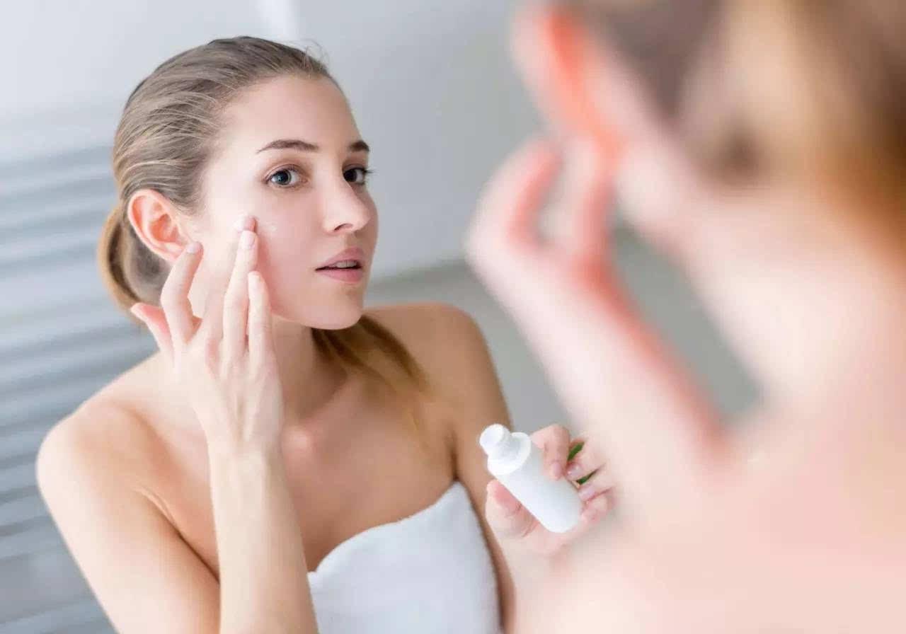 痘肌能用牛奶洗脸吗?