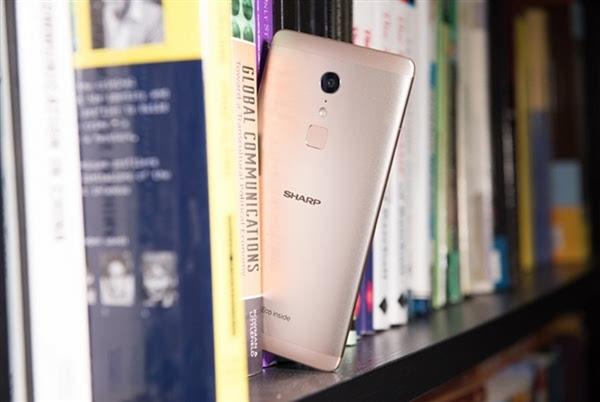 回归之作:夏普国内发布1499元手机A1/C1的照片 - 9