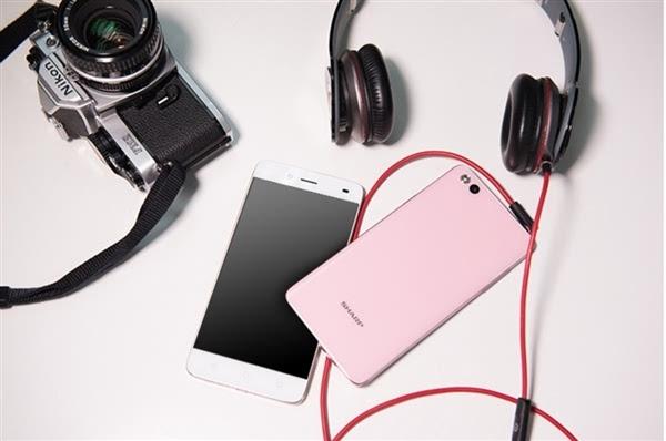 回归之作:夏普国内发布1499元手机A1/C1的照片 - 10