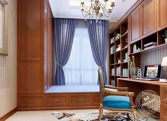 依据户型和个人喜好,飘窗亦做成靠窗书桌.图片