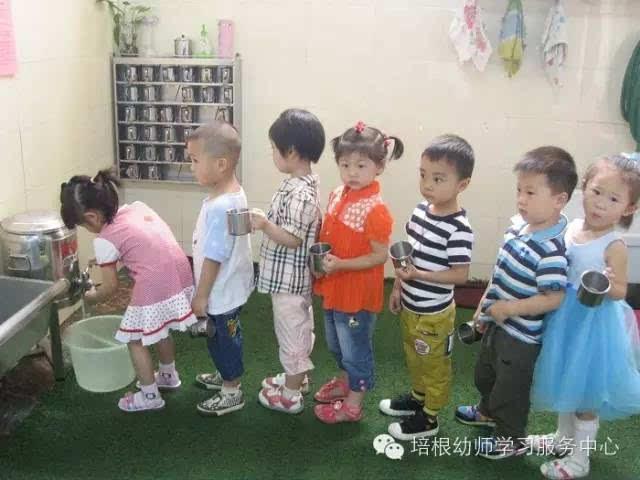 自己编了一套关于规范幼儿行为习惯的指令:关于坐姿