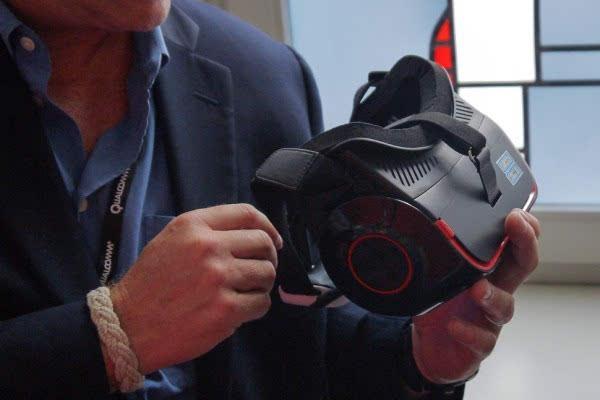 高通VR头盔试用:4K屏幕果然比Vive或者Rift给力的照片 - 2