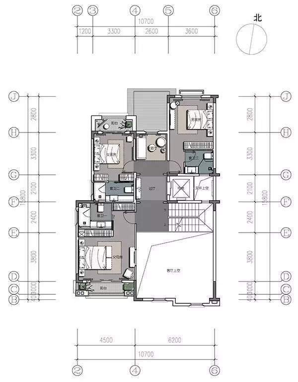 一层平面图 第一层为门廊,玄关,车库,偏厅,公卫,客厅,餐厅,厨房,过厅