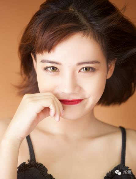 """""""一个日本女生分别在浓妆和素颜的情况下找男生借钱"""