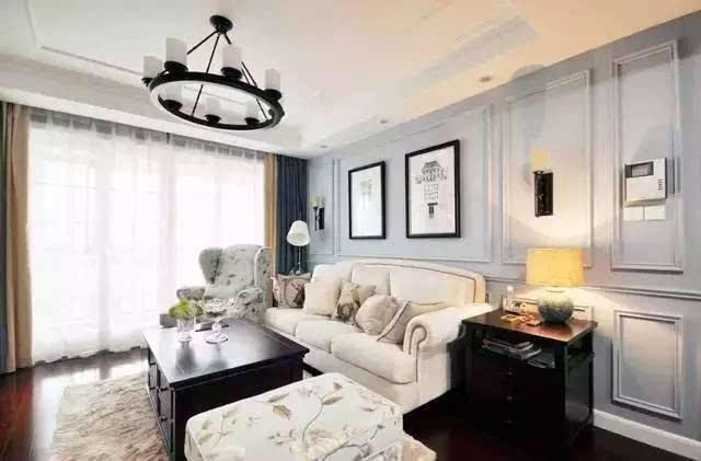 白色沙发,黑色柜子,经典的简约欧式风格