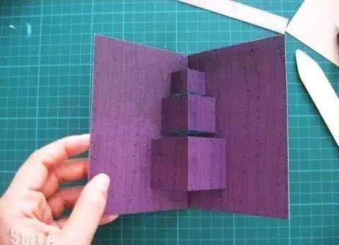剪出中间的三个正方体