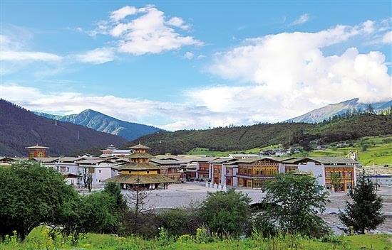 西藏林芝鲁朗国际旅游小镇图片