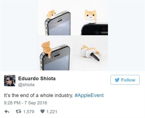看老外如何吐槽iPhone 7和AirPods的照片 - 6