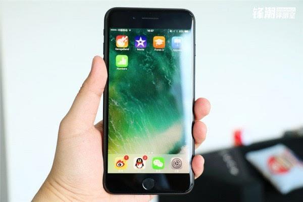 亮黑色版iPhone 7 Plus真机图赏的照片 - 2