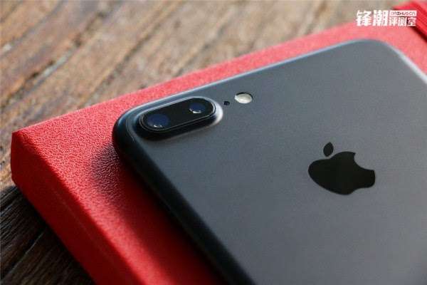 亮黑色版iPhone 7 Plus真机图赏的照片 - 8