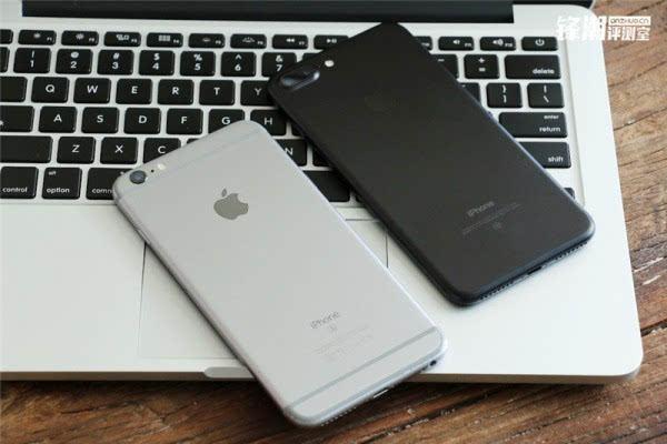 亮黑色版iPhone 7 Plus真机图赏的照片 - 20