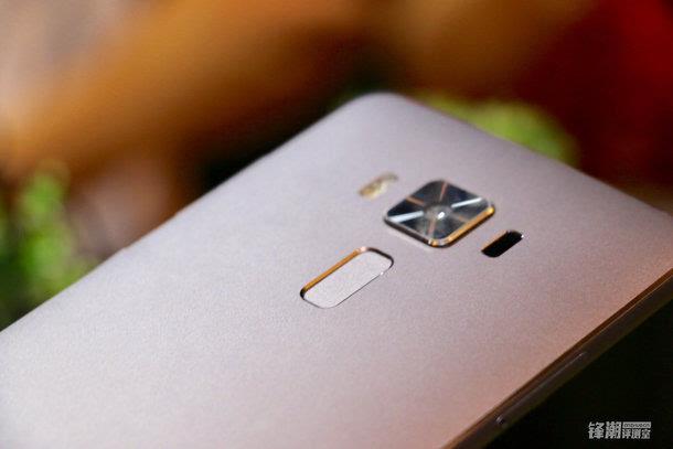 全球首款骁龙821手机:华硕Zenfone 3 尊爵上手图赏的照片 - 2