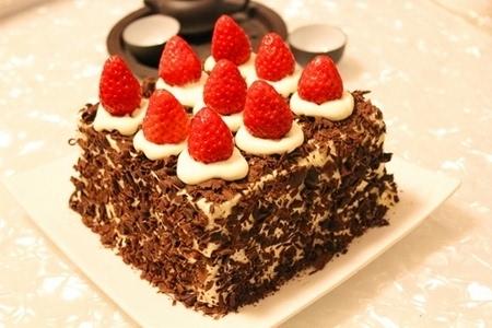 富饶变态黑深林_最in下午茶,草莓?黑森林蛋糕