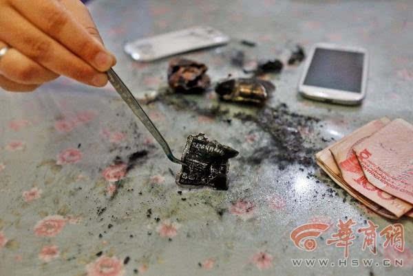 3年前买的三星手机电池闪爆 事发时没使用的照片 - 1