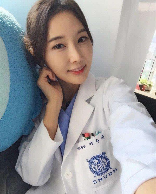 日本90后童颜_组图:韩国48岁女医生逆天童颜走红网络