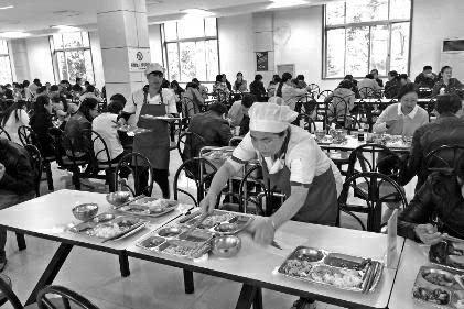 """世界粮食日走访西安就餐场所面剩半碗 人不见了"""""""