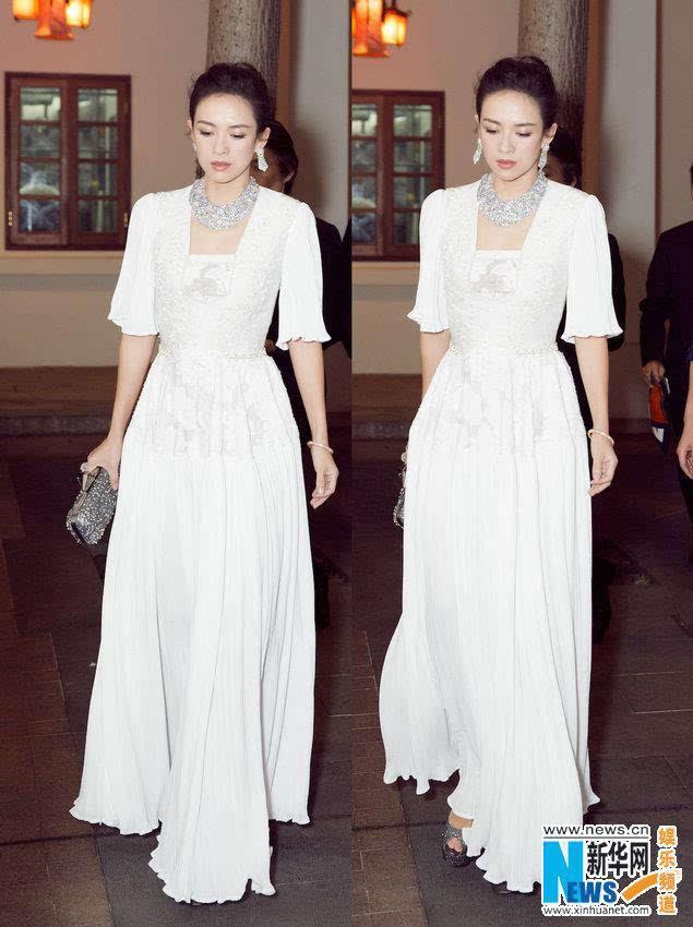 章子怡白裙气质佳 章子怡白裙气质佳身材纤瘦与Rain同框出席