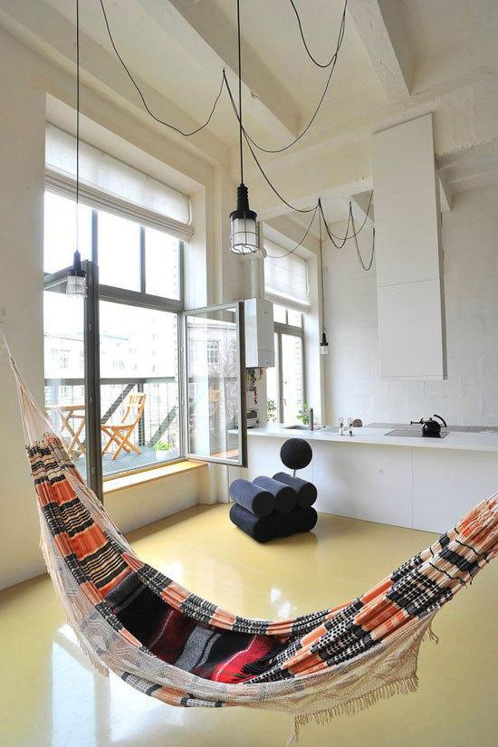 创意家居改造 旧厂房变身时尚loft公寓 宽敞的空间面积让设计师能够图片