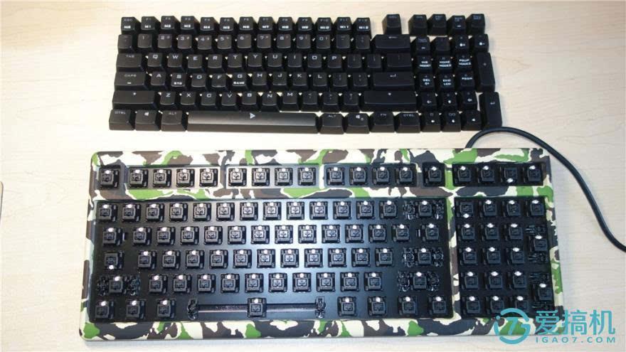 知道了,机械键盘主要是由键帽,上壳,机械轴,钢板,背壳,键盘线这几部分