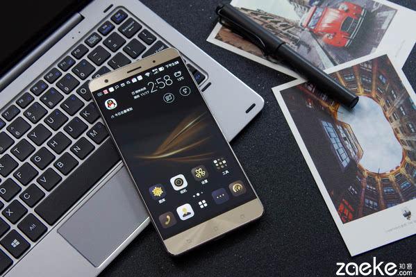 """手机拍照也能媲美单反 华硕ZenFone3尊爵"""""""