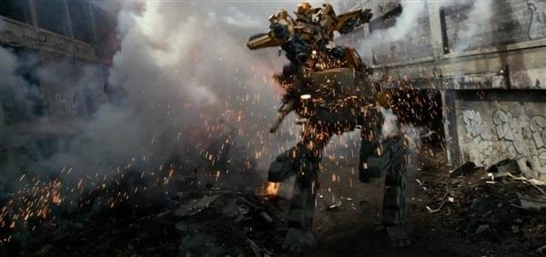 变形金刚5 正式版预告首发 黑暗擎天柱虐杀大黄蜂高清图片