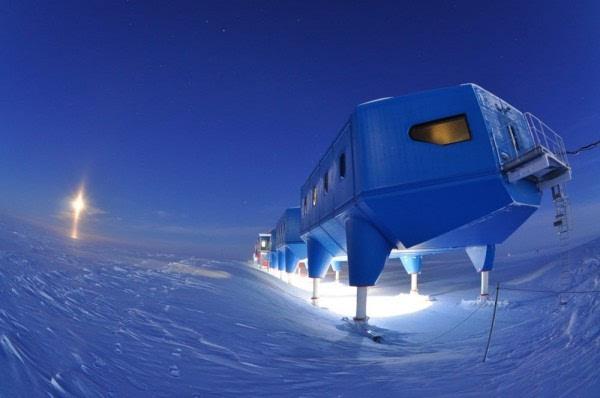 """冰原裂缝导致南极研究站搬家"""""""