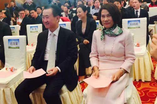 董明珠、王健林等入股珠海银隆 王健林:不是友情赞助的照片