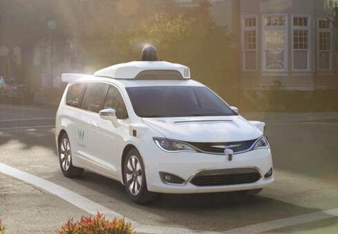 """谷歌与菲亚特合作开发的100辆自动驾驶小型货车完"""""""