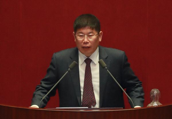韩国特别检察组向国际刑警组织请求对崔顺实的女儿郑宥拉发出红色通缉