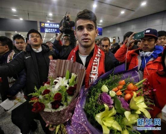 """中超奥斯卡抵达上海"""""""