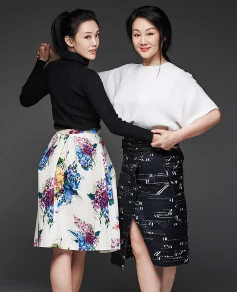 小星星的乐谱二四拍-王姬与女儿拍写真   [作者: 编辑:刘丽雅]   字号 大 小   杨子和陶虹的