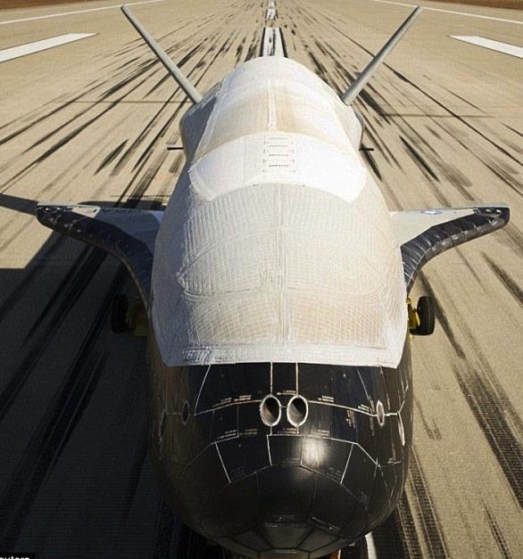 美最神奇的X-37B飞行器在轨运转600天干了啥?